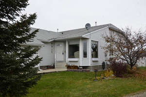 Featured Property in Sylvan Lake, AB