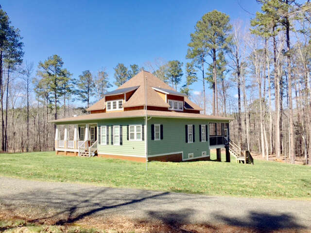 Featured Property in HENDERSON, NC, 27537