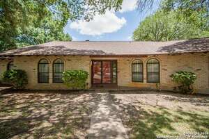 Featured Property in Windcrest, TX 78239