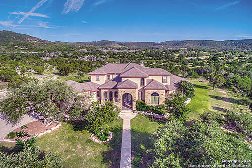 Single Family for Sale at 5808 Bear Creek Rd E Pipe Creek, Texas 78063 United States