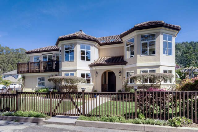 Single Family for Sale at 402 Coronado Ave Half Moon Bay, California 94019 United States