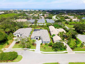 Featured Property in Indian River Shores, FL 32963