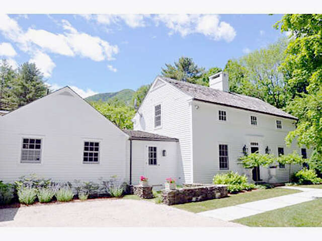 Single Family for Sale at 139 Prospect Street Manchester, Vermont 05254 United States