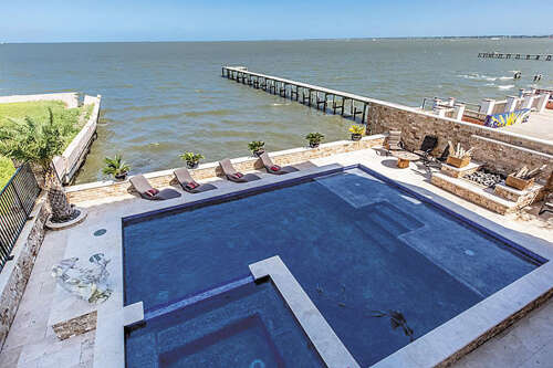 Additional photo for property listing at 1718 Todville Road  Seabrook, Texas 77586 United States