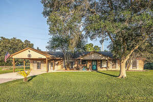 Featured Property in Alvin, TX 77511