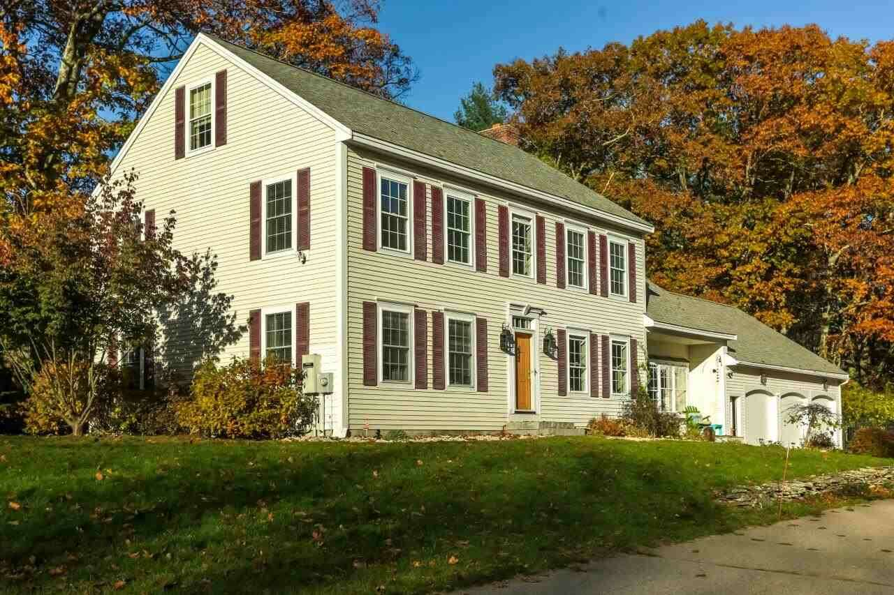 Single Family for Sale at 35 Town Hall Road Madbury, New Hampshire 03823 United States