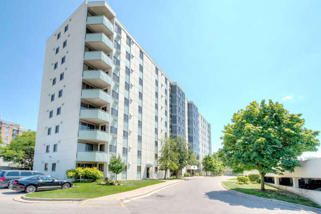 Real Estate for Sale, ListingId:44669697, location: 127 Belmont Dr. #406 London