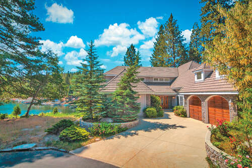 Single Family for Sale at 180 Shorewood Dr. Lake Arrowhead, California 92352 United States