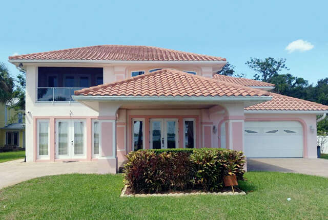 Single Family for Sale at 912 Riverside Drive Holly Hill, Florida 32117 United States