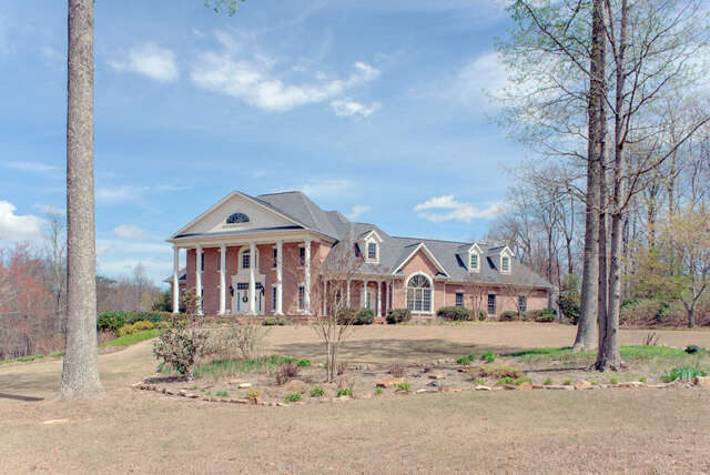 Single Family for Sale at 7560 Harrier Hill Rd Signal Mountain, Tennessee 37377 United States