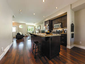 Featured Property in Kelowna, BC V1W 4K9