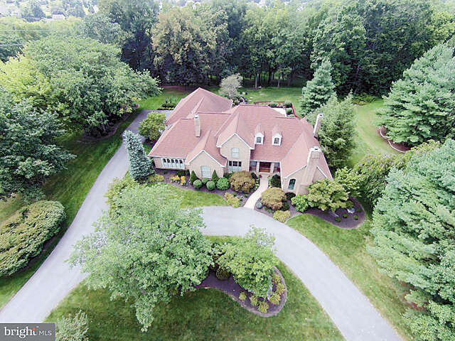 Single Family for Sale at 5 Waterfront Estates Drive Lancaster, Pennsylvania 17602 United States