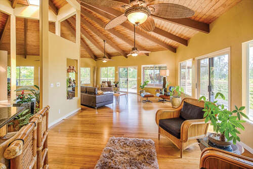 Single Family for Sale at 27-114 Hikina Pl Hilo, Hawaii 96720 United States