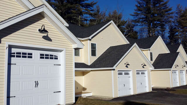 Featured Property in ROCHESTER, NH, 03867