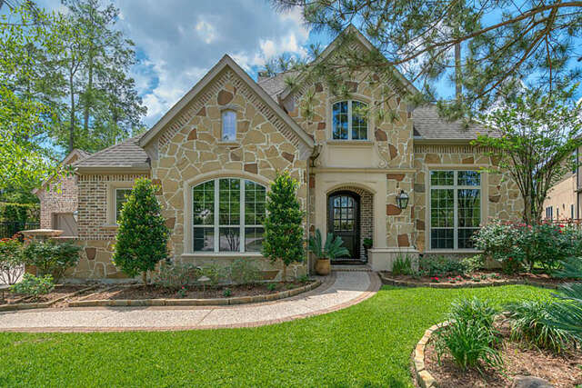 Single Family for Sale at 58 Roger Dell Court The Woodlands, Texas 77382 United States
