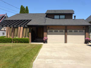 Featured Property in West Kelowna, BC V4T 2B8