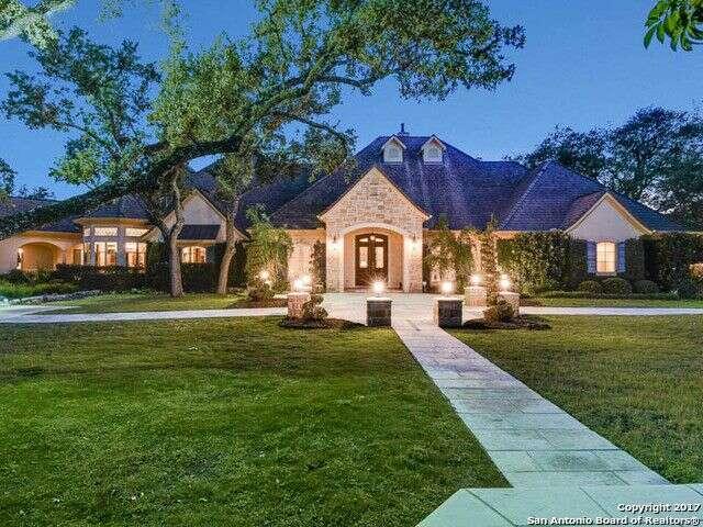 Single Family for Sale at 104 Tomahawk Trail San Antonio, Texas 78232 United States