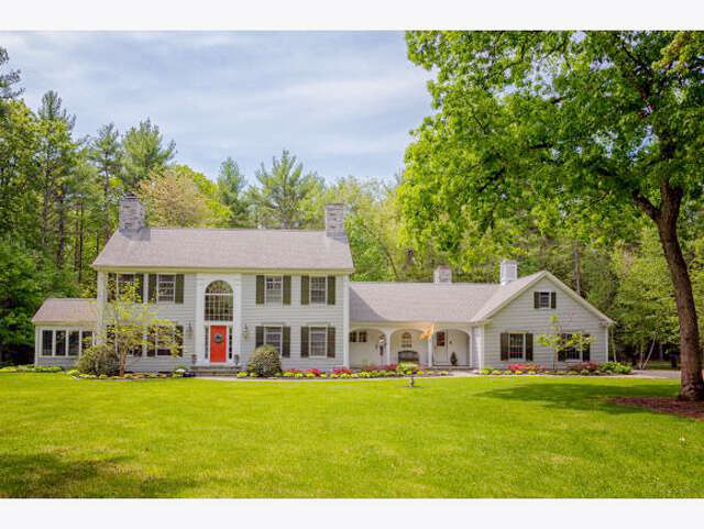 Single Family for Sale at 139 Woods Run Rollinsford, New Hampshire 03869 United States