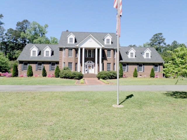 Single Family for Sale at 1727 New Hope Rd Goldsboro, North Carolina 27530 United States