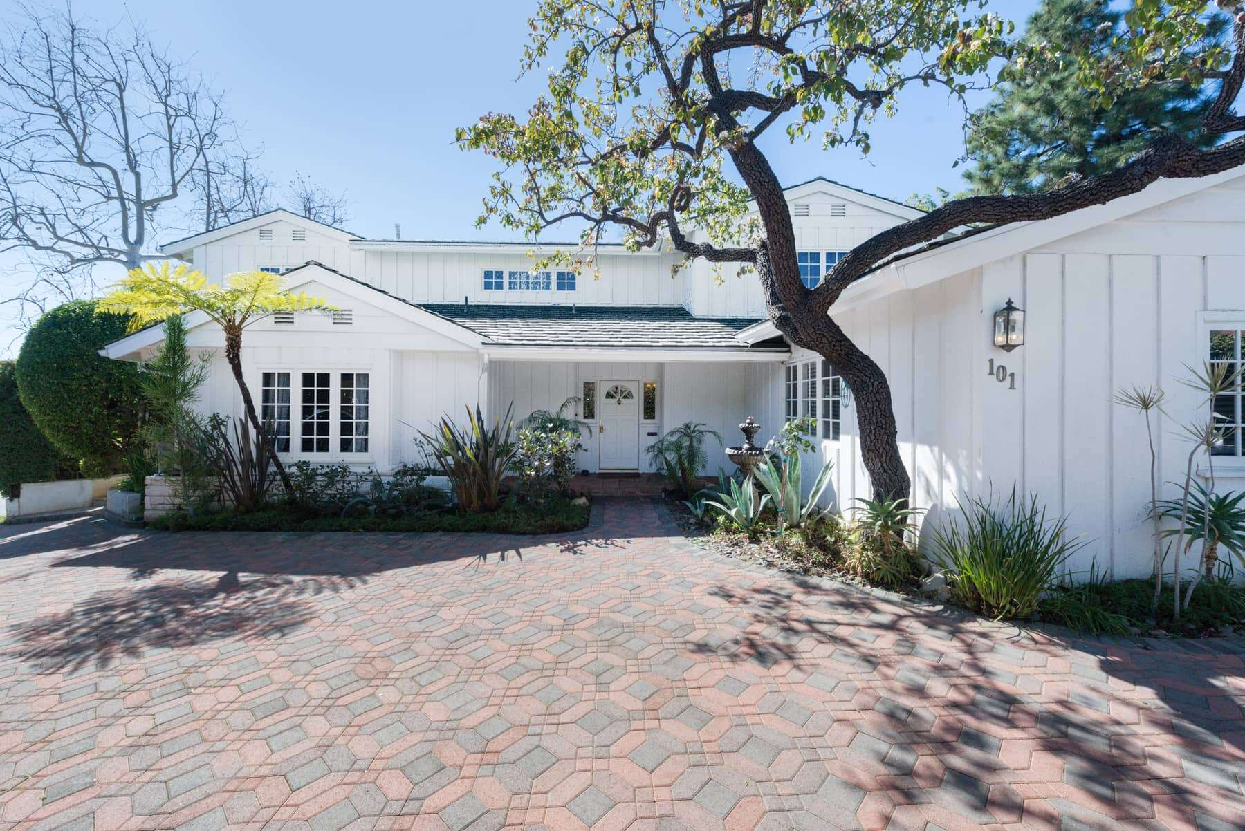 Single Family for Sale at 101 South Saltair Avenue Los Angeles, California 90049 United States