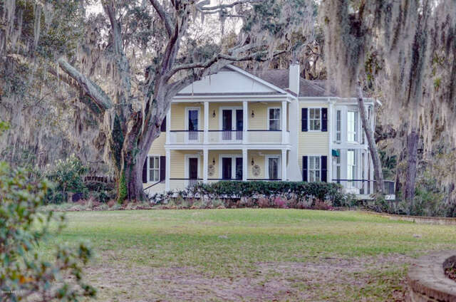 Single Family for Sale at 6 Tidewater Way Beaufort, South Carolina 29907 United States