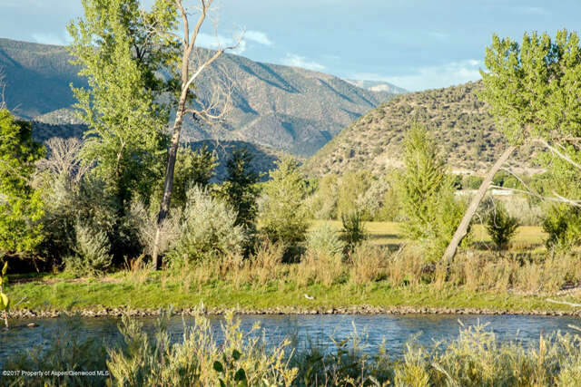Single Family for Sale at 330 Rapids View Lane New Castle, Colorado 81647 United States