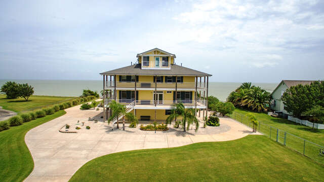 Single Family for Sale at 11130 Tri City Beach Beach City, Texas 77523 United States