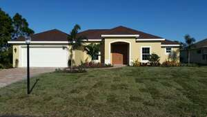 Featured Property in Pt St Lucie, FL 34984