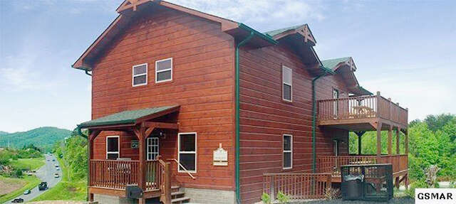 Single Family for Sale at 942 Mcmakin Pigeon Forge, Tennessee 37862 United States