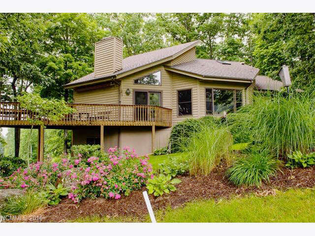 Single Family for Sale at 71 Smokehouse Way Burnsville, North Carolina 28714 United States