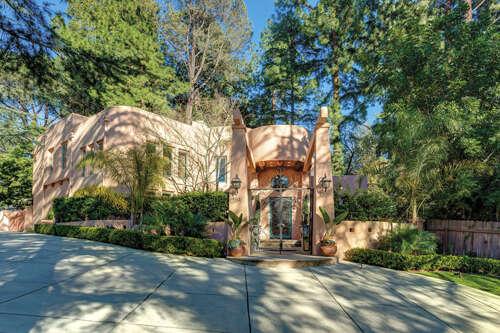 Single Family for Sale at 5112 Palm Drive La Canada Flintridge, California 91011 United States