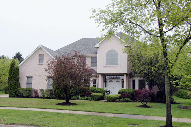 Single Family for Sale at 6718 Fieldstone Drive Burr Ridge, Illinois 60527 United States