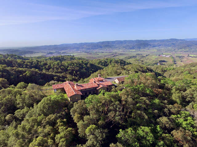 Single Family for Sale at 1150 Tzabaco Creek Road Geyserville, California 95441 United States
