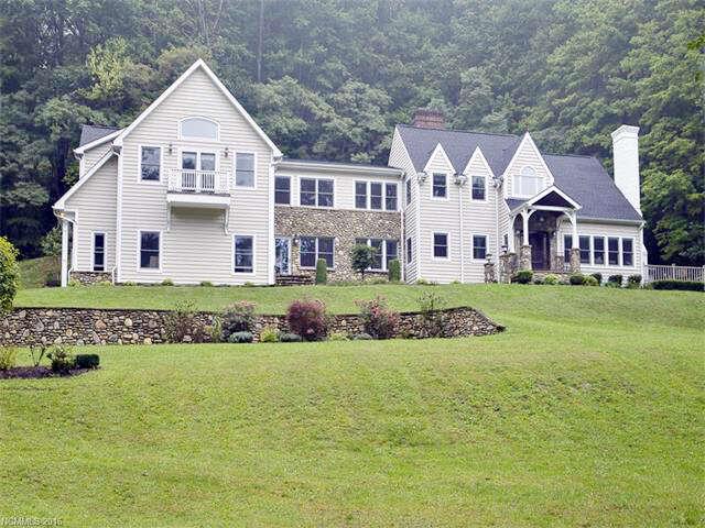 Single Family for Sale at 386 Walker Road Waynesville, North Carolina 28786 United States