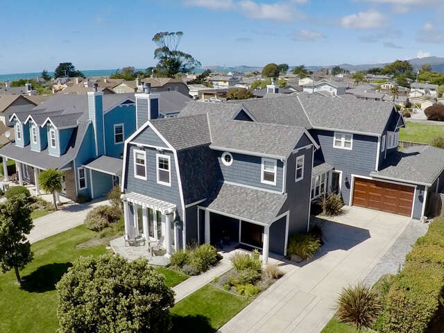 Single Family for Sale at 345 Seymour St Half Moon Bay, California 94019 United States