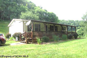 Featured Property in Horner, WV 26372