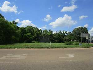 Land for Sale, ListingId:52131298, location: 417 SAVANNA ST Jackson 39212
