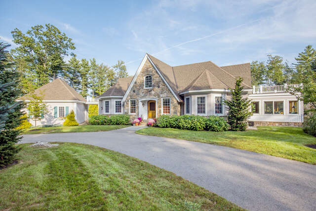 Single Family for Sale at 9 Rams Head Ln York, Maine 03909 United States