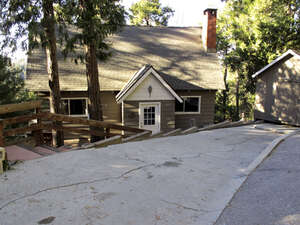 Featured Property in Lake Arrowhead, CA 92352