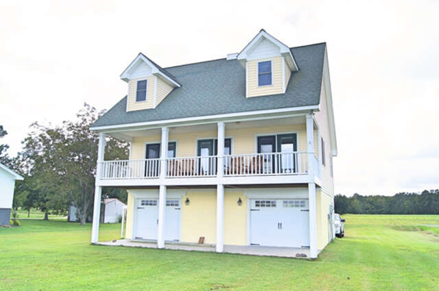 Featured Property in BELHAVEN, NC, 27810