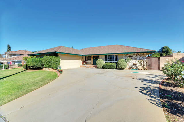 Single Family for Sale at 1991 Cypress Point Drive Corona, California 92883 United States