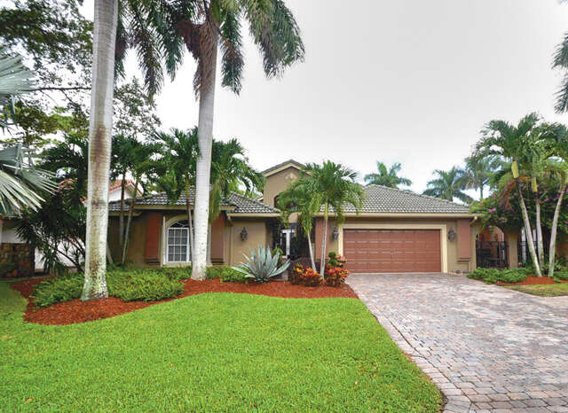 Single Family for Sale at 936 Greensward Drive Delray Beach, Florida 33445 United States