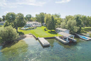 Featured Property in Gananoque, ON K7G 2V6