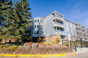 Featured Property in Calgary, AB T2V 4N8