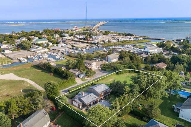 Single Family for Sale at 20 Alanson Lane Hampton Bays, New York 11946 United States