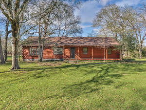 Featured Property in Hempstead, TX 77445