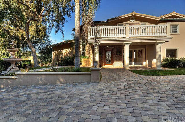 Single Family for Sale at 3200 Oakley Drive Los Angeles, California 90068 United States