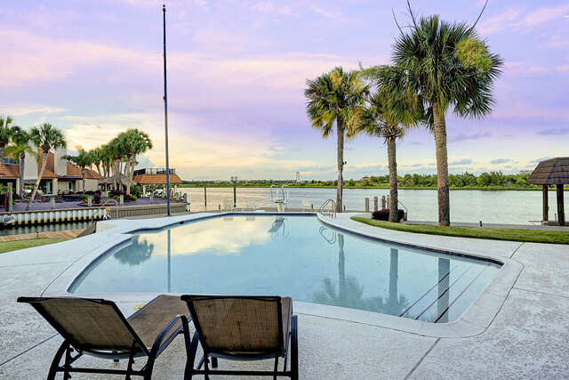 Single Family for Sale at 2019 Port Royal Dr. Houston, Texas 77058 United States