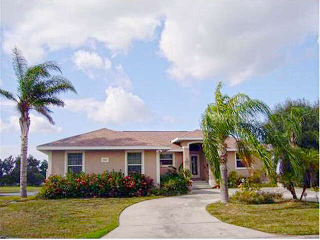 Featured Property in APOLLO BEACH, FL, 33572