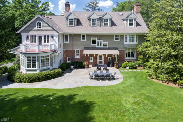 Single Family for Sale at 20 Beacon Rd Summit, New Jersey 07901 United States